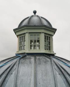 Roof lantern on an orangery being installed on site.