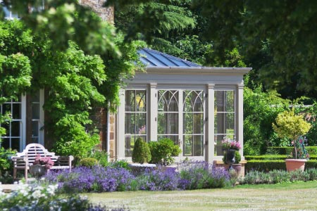Orangery on a rectory in Oxfordshire, the perfect setting in an English garden