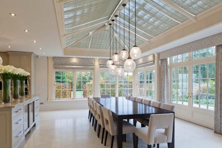 This Georgian orangery opens up the kitchen to include a contemporary dining area
