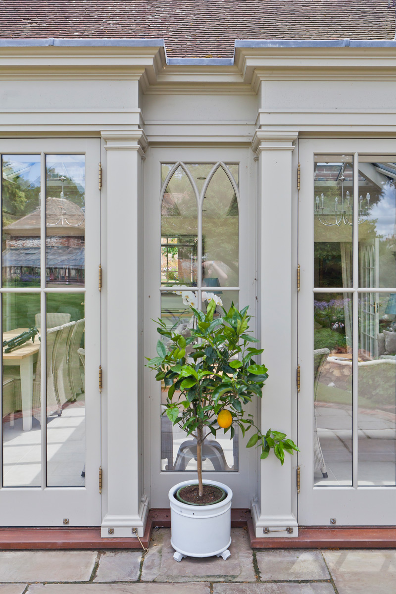 10 inspiring decorative conservatories and orangeries for Conservatory doors exterior