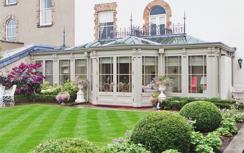 Decorative conservatory in the Ireland with attention to detail